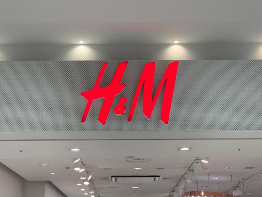 高コスパ高クオリティの本気。必見【H&M】の「春カラートップス」特集