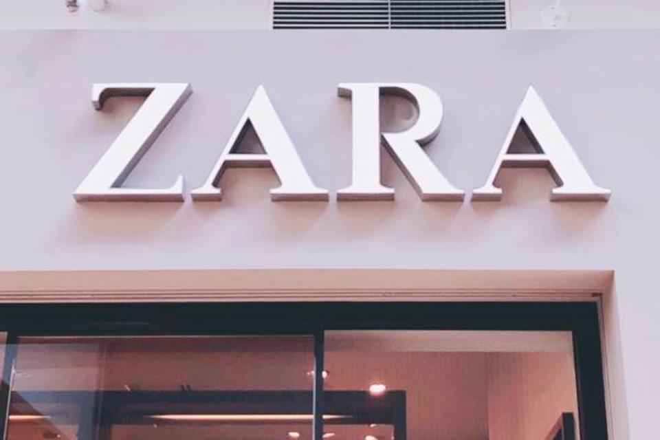 オシャレさんの定番アイテム!【ZARA】の「レザースカート」着回しコーデ特集