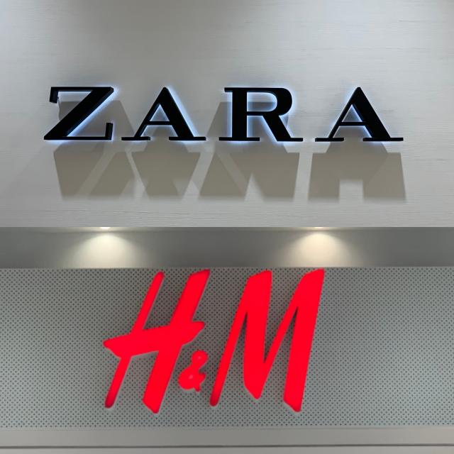 不動の人気の秘訣とは?【ZARA・H&M】の「ブラックサンダル」まとめ